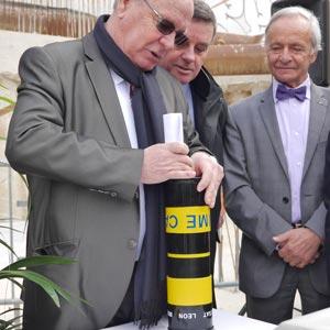 Pose de la première pierre de l'ESAT Léon Bérenger